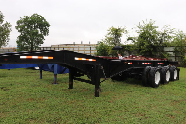 Heavy Duty Tri-Axle Chassis For 20 Ft. Containers